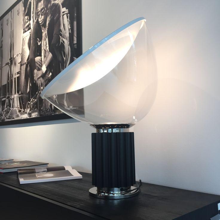 Fantastisk bordlampe designed tilbage i 1962.