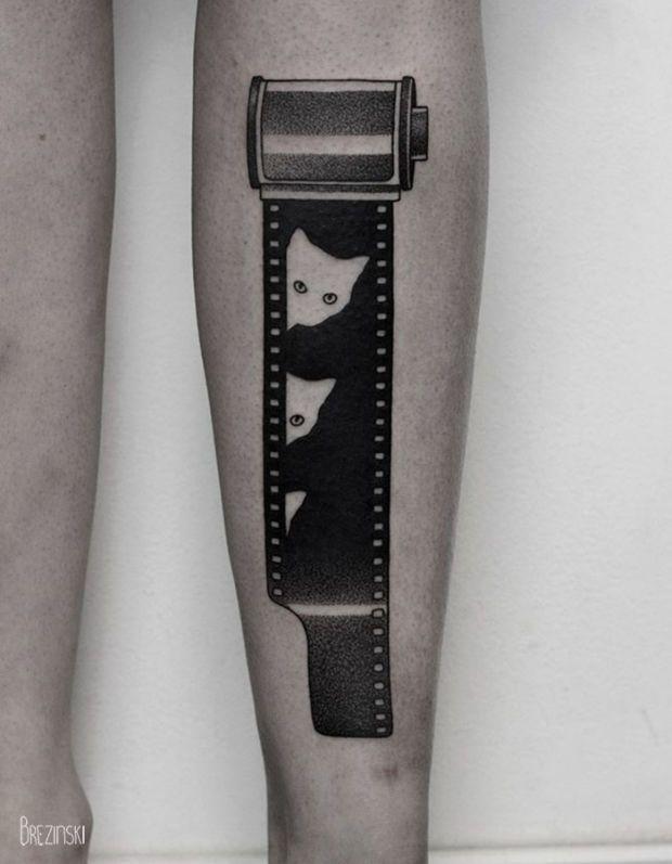 As tatuagens surreais em blackwork cheias de pontilhismo do russo Ilya Brezinski