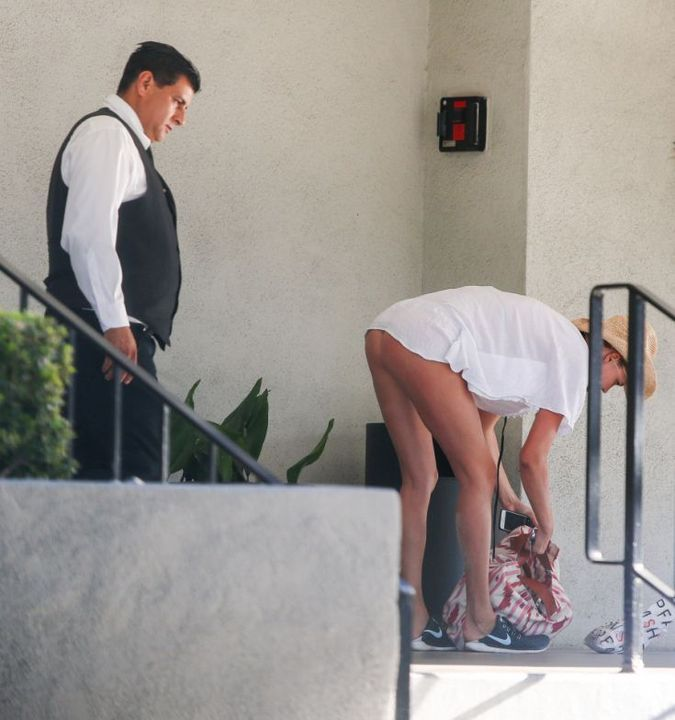 Το… σκύψιμο που προκάλεσε ζαλάδα στον υπάλληλο ξενοδοχείου (pics)