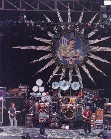 Grateful Dead: Phil Lesh, Bob Weir, Bill Kreutzmann, Mickey Hart, and Jerry Garcia