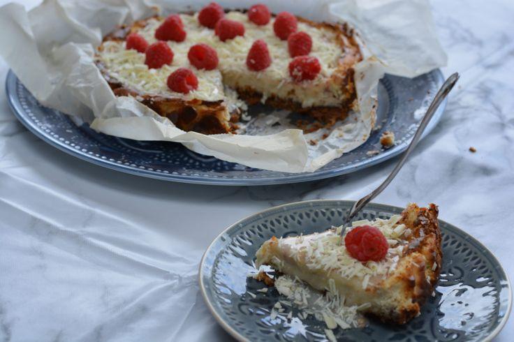 Een prachtige cheesecake witte chocolade met framozen gemaakt met de reep van Tony's Chocolonely.