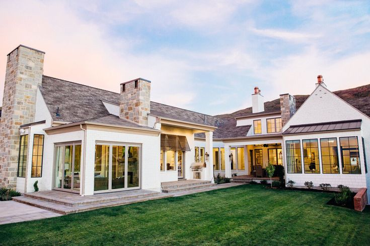 Hyrum mckay bates design exterior pinterest modern for Modern home design utah
