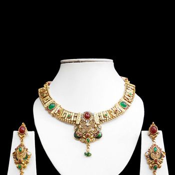 Green and Maroon Stone Studded Necklace Set