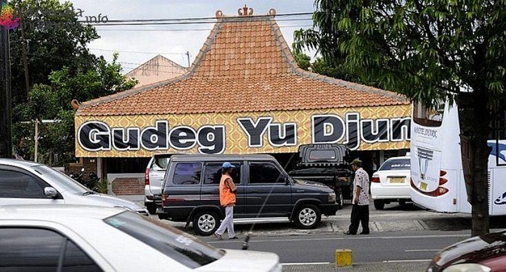 Gudeg Yu Djum Kuliner Enak Khas Yogyakarta