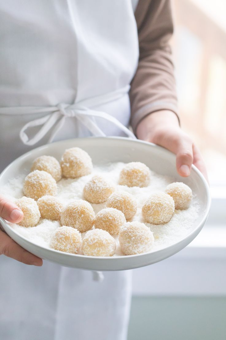 Almond coconut snowball cookies | Eat Good 4 Life