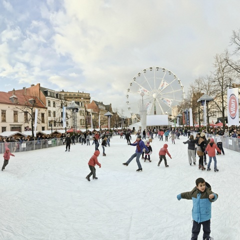Brussels Christmas Market, book a magical stay ! http://www.opt.be/contenus/christmas_market_and_new_year_breaks_in_belgium/en/3400.html © OPT - J.P.Remy