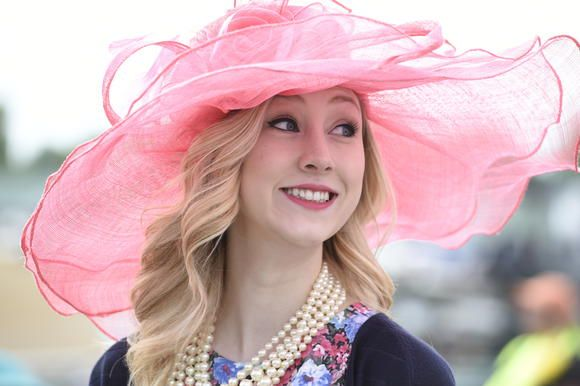 Kentucky Derby Hats | 2014 Kentucky Derby & Oaks | May 2 and 3, 2014 | Tickets, Events, News