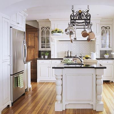 Classic White Kitchen: Decor Ideas, Traditional Kitchens, Kitchens Ideas, White Kitchens Design, Classic White, Kitchens Cupboards, White Cabinets, Cabinets Doors, Hanging Pots
