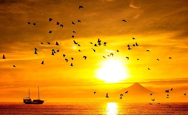 17 de Julio del 2012. /PUERTO VARAS.  Amanecer en la costanera de la ciudad de Puerto Varas, junto al Lago Llanquihue y Volcán Osorno. FOTO: FRANCISCO NEGRONI/ AGENCIAUNO.