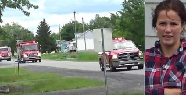 Cette jeune femme a dû avoir la peur de sa vie en voyant les pompiers s'arrêter devant chez elle. En réalité, elle va avoir la plus belle surprise de sa vie