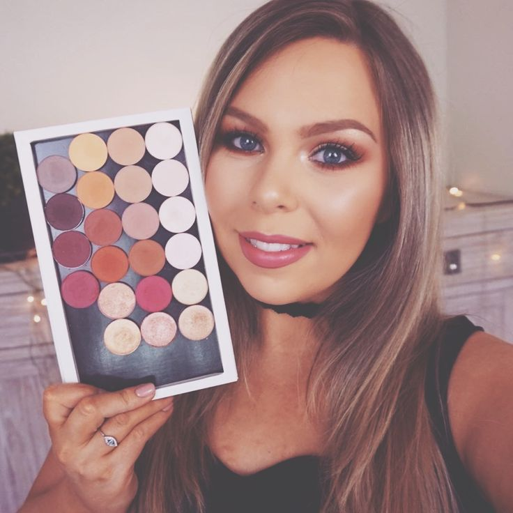 The talented Crystal Conte is testing out the 22 shades from Colour Pop Cosmetics. For collaboration opportunities visit our website - PHLANX.com #phlanx #phlanxglobal #influencer #collab #collaboration #picoftheday #photooftheday #business #marketing #marketingplatform #blogger #beauty #fashion #influencermarketing #publicrelations