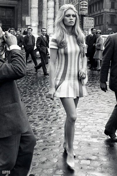 Brigitte Bardot.. the French model, singer, actress, and animal activist. She was a major sex symbol of the 60s and rightly so! She recorded 80 songs and starred in 47 films by her retirement in 19…