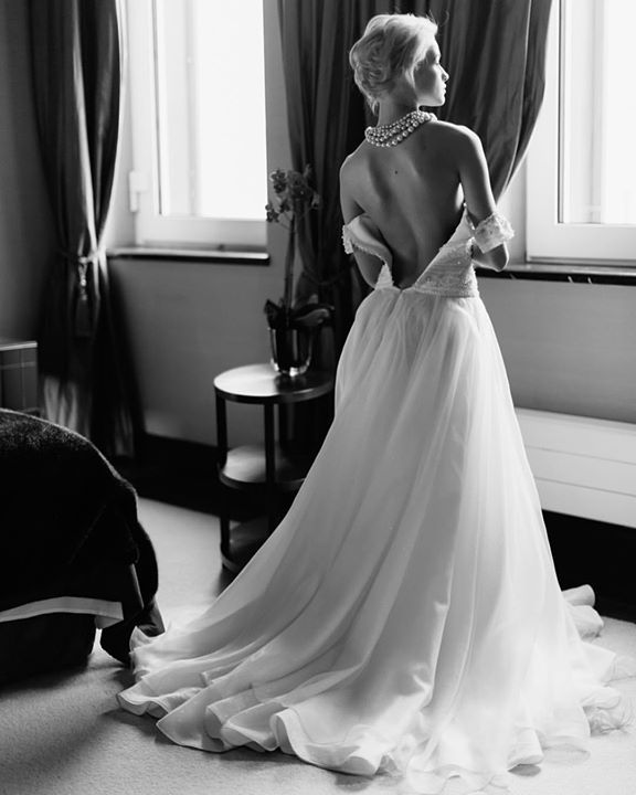 Graceful bridal morning. #fontanawedding #antonwelt #bride #bridalmorning #bridalinspiration #wedding #blackandwhite
