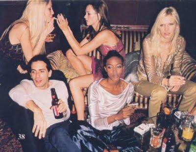 fashion party  (Kristy Hume, Kate Moss, Marc Jacobs and Naomi Campbell)  via Eleana Marques