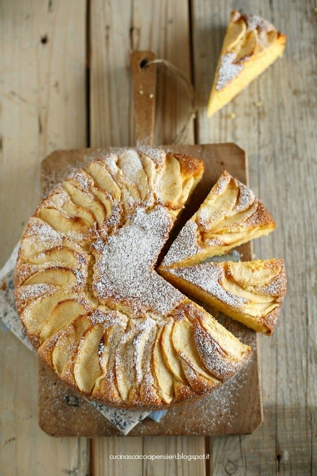 Torta con farina di mais e mele e ricotta - Cake with corn flour and apples and ricotta