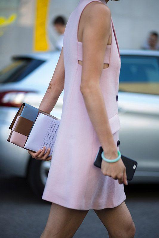 SS16 streetstyle details light pink A-line dress  sleevless blue bracelet