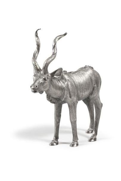 ARGENTERIE Maison Bry  Kudu en argent massif ciselé  Poids d'argent 3 700 g  20 x 35 cm - Vermot et Associés - 29/09/2017