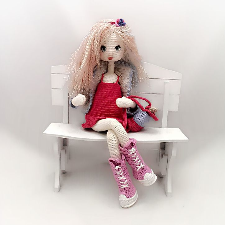 Rüyanızda beni görün emi❤ #amigurumi #amigurumidoll #crochet #crochetdoll #handmade #handmadedoll #elisi #tigisi #elisibebek #oyuncakbebek #orgubebek