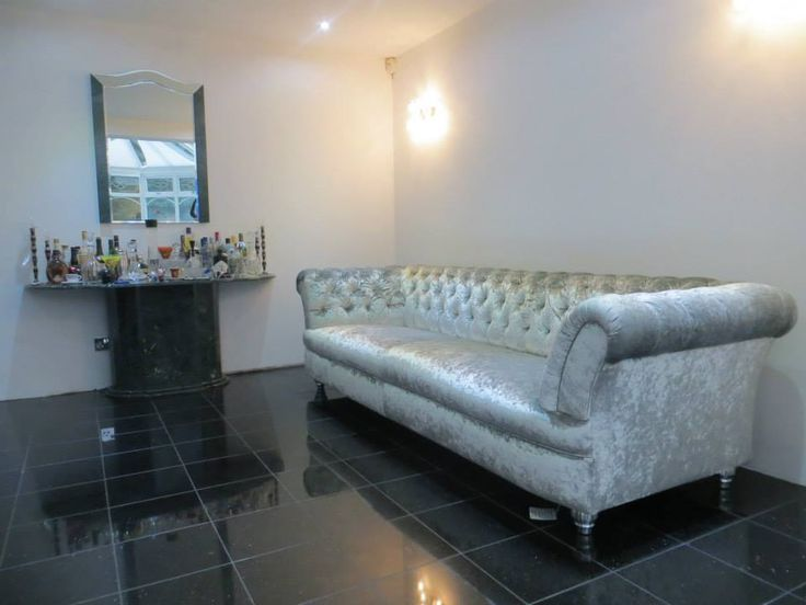 17 Best Images About Elizabeth Chesterfield Sofa On Pinterest Chesterfield Sofa Sofas And