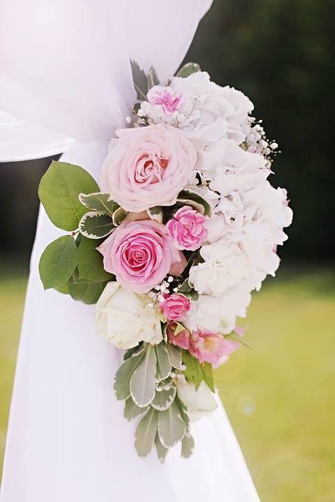 Detaliu  www.vanillaevents.ro Aranjament floral: Brisc Filomena