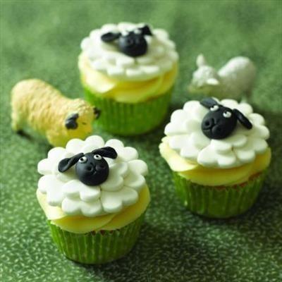 Recipe - Little Lamb Cupcakes #Easter #baking