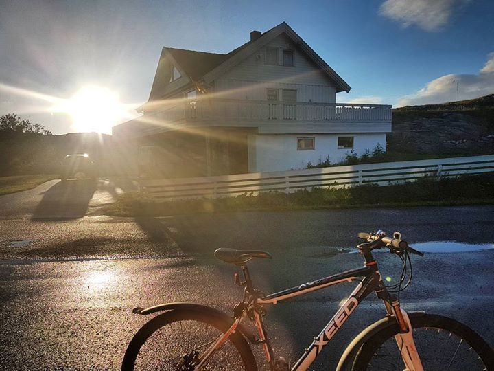 Midnight Sun #Nordland #norway . . . . . #ilovenorway #visitnorway #bestofnorway #norgebilder #norgefoto #norwaypng #sommer http://ift.tt/2tLjjTU