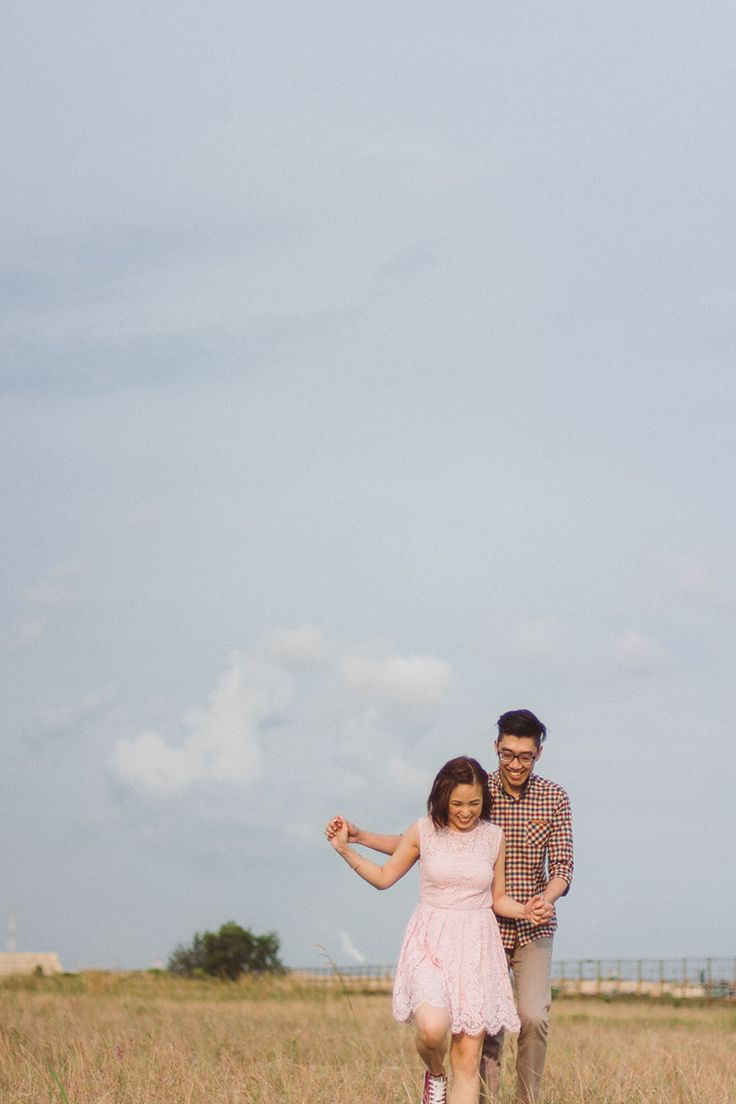 couple poses pre wedding photoshoot Audrie and Eugenes Outdooor Pre 41 best