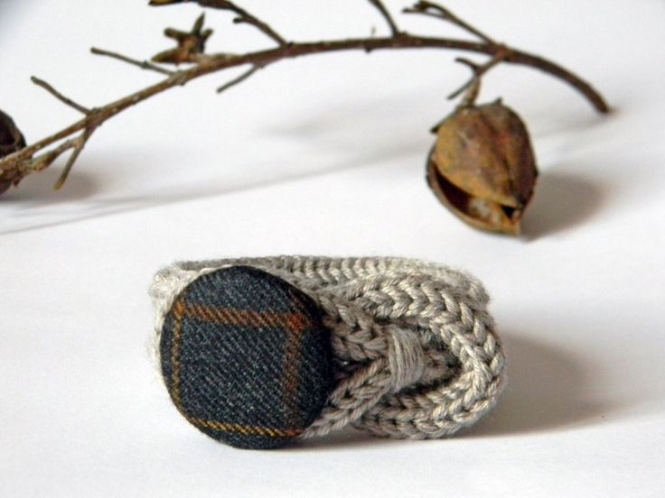 Autumn in DaWanda Fabric Wristbands & Bracelets – Wool bracelet. Taupe and charcoal – a unique product by Ylleanna on DaWanda