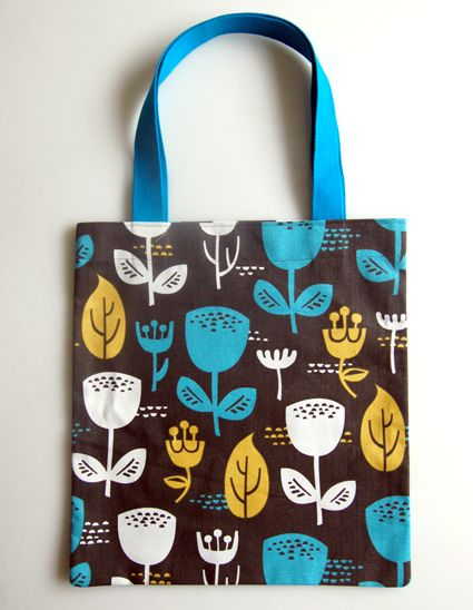 Twenty Minute Totes in Outside Oslo Fabric | The Purl Bee