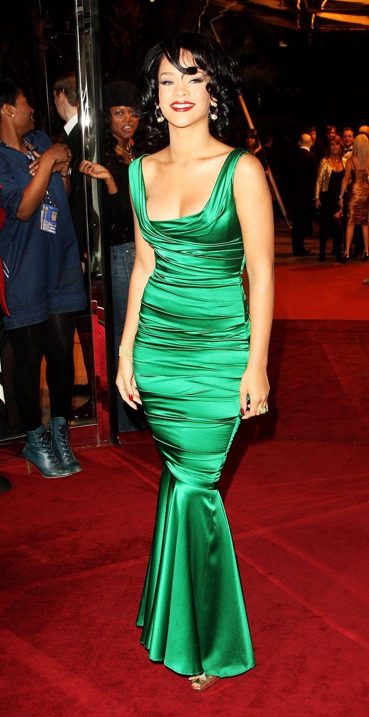 cool Элегантные атласные платья в пол (50 фото) — Как правильно носить в 2017?