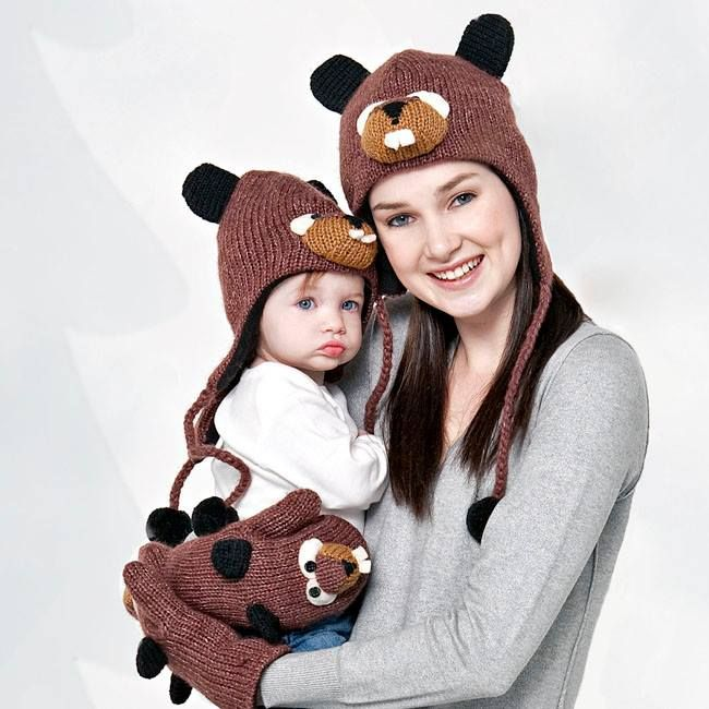 Fajna wełniana czapka nie tylko dla dzieciaka, ale i dla mamy.