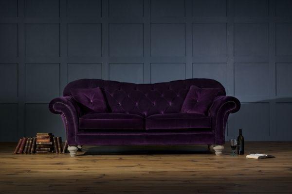 canapé sublime en velours violet de style baroque
