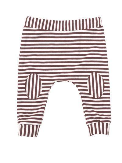 burda style - Schnittmuster für Babys - Bei der weiten Hose verlaufen die Ringel mal längs, mal quer. Nr. 137C aus 05-2015