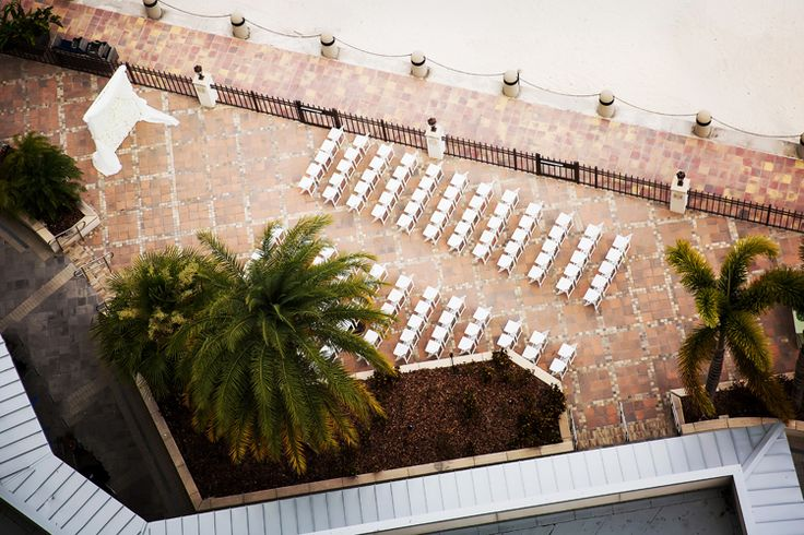 Elegant outdoor Florida wedding venue at the Westin Tampa Bay (Limelight Photography)