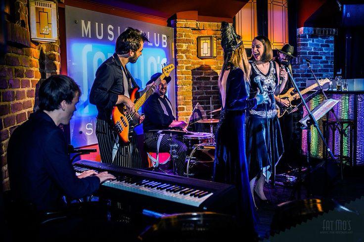 Minden este élő jazz, akusztik vagy épp swing koncertek a 20-as évek jegyében a Fat Mo's-ban! Ezt érezni kell!