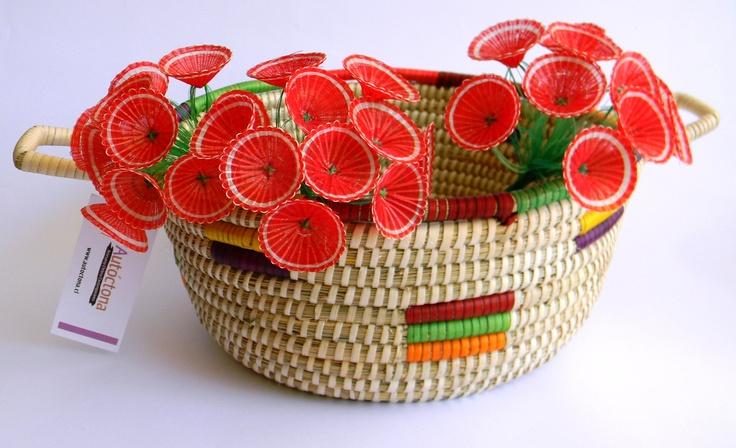 red horsehair flowers in coirón basket, #handcraft