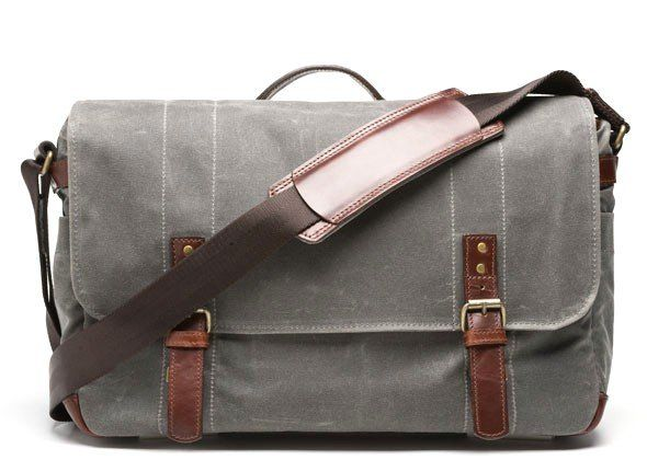 waxed dslr bag - I want this! Just hope the shoulder strap is comfy for day long carrying.