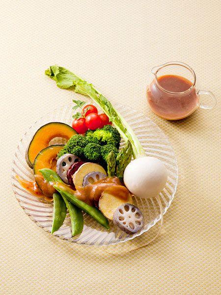 【ELLE a table】温野菜のサラダ しょうゆ麹のフレンチドレッシングレシピ|エル・オンライン