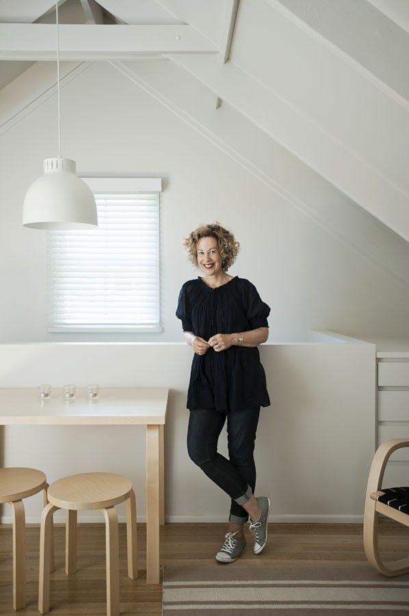 Garage studio apartment in NZ by Karin Montgomery Spath | Remodelista architraves