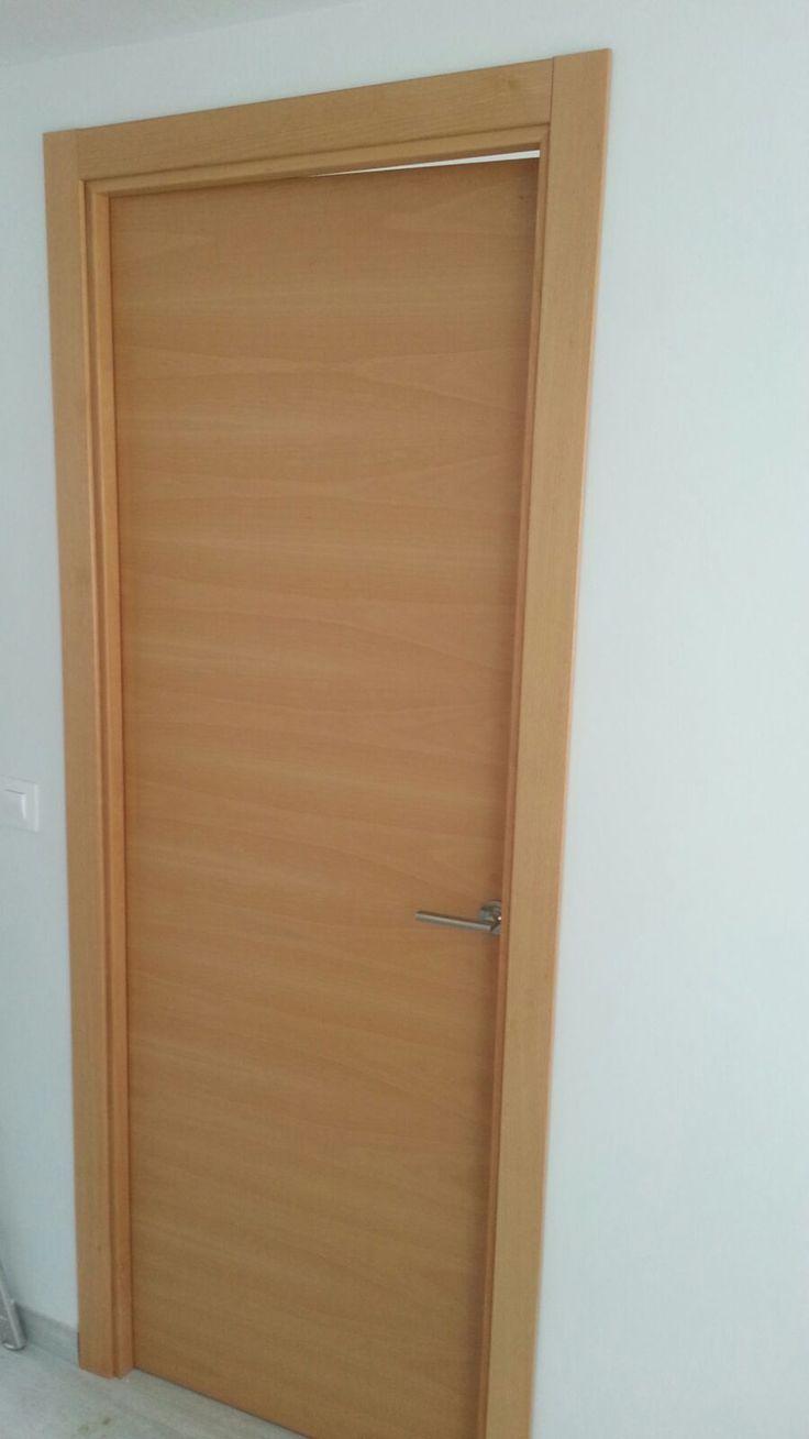 Puerta madera interior puerta de interio en madera de for Puertas en madera precios