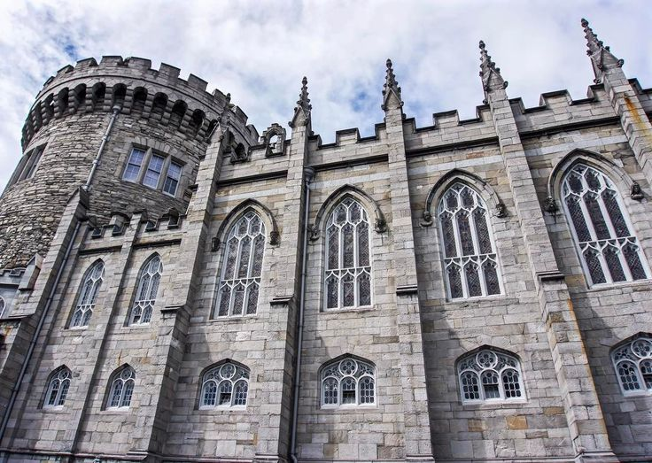 #dublincastle dates back to 1230AD and has served roles as a defensive stronghold and royal #palace for centuries. Today it is the site of Ireland's presidential inauguration every seven years and in most days is open to the public for no charge. For more on #Dublin #Ireland check out the link in our bio. #wanderlust #wanderlustduo