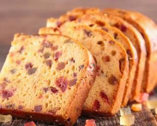 Cake aux fruits confits et au rhum : http://www.fourchette-et-bikini.fr/recettes/recettes-minceur/cake-aux-fruits-confits-et-au-rhum.html