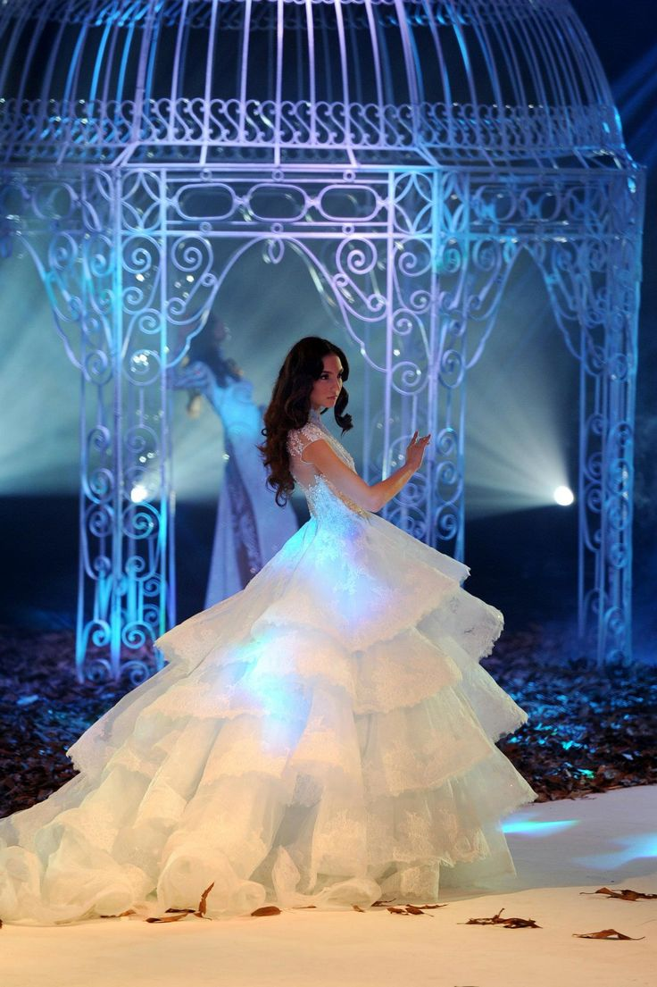 131 best Wedding Dresses images on Pinterest | Michael cinco ...