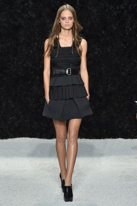 Vera Wang - New York Moda Haftası İlkbahar Yaz 2015 - Haute couture ve gelinlik modelleriyle tanınan Amerikalı Vera Wang markasının New York moda haftasında 2015 ilkbahar yaz koleksiyonu;