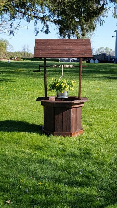 15 best Wishing Well Project images on Pinterest | Pallet ideas ...