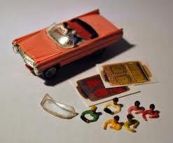 Nostalgie: onze racebaan uit 1969. Deze roze Cadillac scheurde uit de bocht, tegen de muur aan!