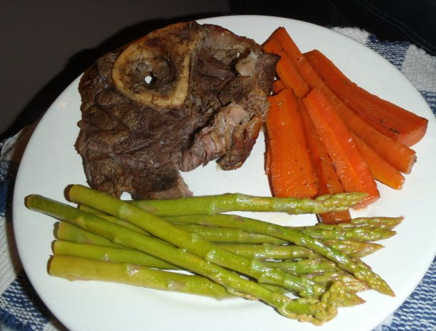Beef and Beer. Is there a better combination? Carib Lager Beef Shank Recipe {Guest post} | Ramblings of a Bad Domestic Goddess