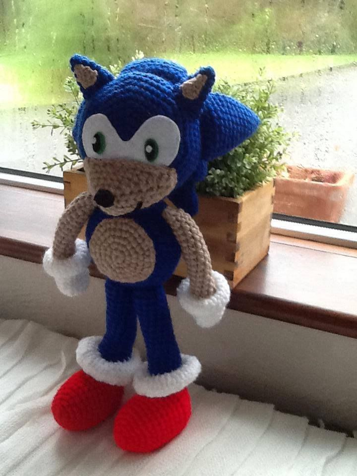 Handmade Sonic the Hedgehog Doll. Buy him here - https://www.facebook.com/CBKnits