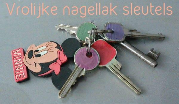 simple thoughts vrolijke nagellak sleutels simpele DIY en gelijk een excuus voor nieuwe nagellakkleurtjes ;)