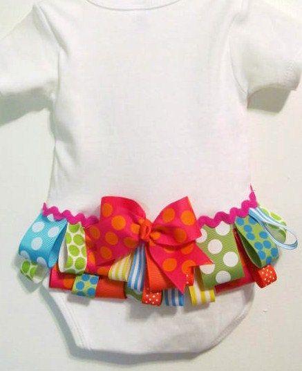 @ChicagoEllyRuffled buttom, baby girl bodysuit, welcome home baby onesie.. easy diy